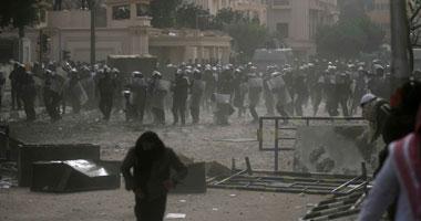 جانب من الاشتباكات أمام وزارة الداخلية