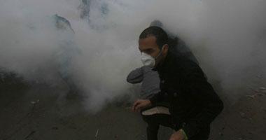 """تجدد الاشتباكات بين المتظاهرين والأمن أمام """"الداخلية"""""""