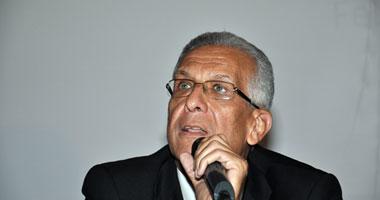 فؤاد النواوى وزير الصحة