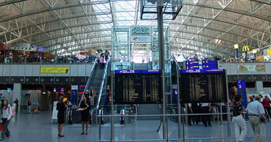 إلغاء 41 رحلة بمطار فرانكفورت بسبب عاصفة رعدية