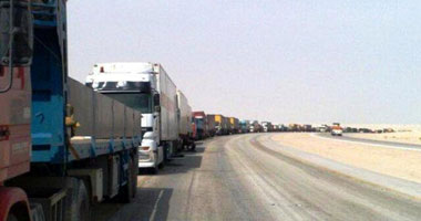 حالة التكدس للشاحنات المصرية