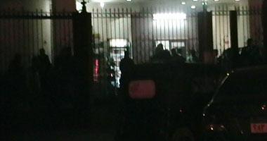"""الإرهاب يغتال الأبرياء على """"أرض الفيروز"""".. استشهاد طفلين و7 آخرين بشمال سيناء.. المحافظ: ملثمون اقتحموا منزلا وفجروا سيارة على بعد 400 متر من قسم العريش.. وقوات الأمن تمشط المنطقة لملاحقة الجناة"""