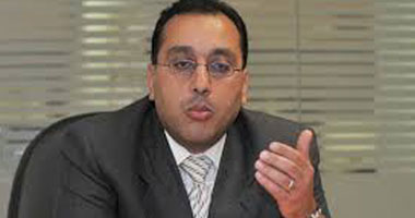 وزير الإسكان يتابع موقف مشروعات مياه الشرب والصرف الصحى بالقليوبية