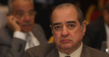 فريد الديب يعود للقاهرة لمتابعة