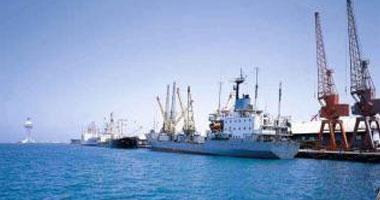 فتح بوغاز مينائى الإسكندرية والدخيلة بعد تحسن الأحوال الجوية
