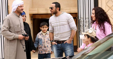 """تسريب فيلم """"عمر وسلمى"""" لم يمنعه من اعتلاء عرش  الإيرادات"""