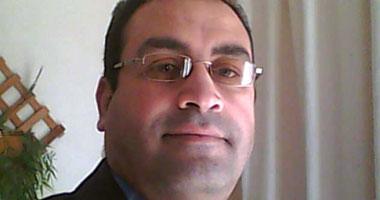 الدكتور مصطفى عباس
