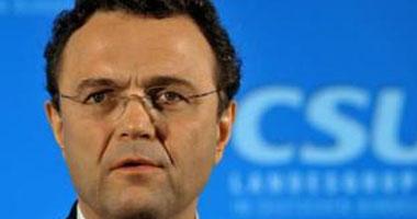 وزير الداخلية الألمانى هانس - بيتر فريديريتش