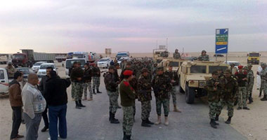 إحراق مبنى عسكرى وانسحاب الجيش من داخل مدينة السلوم s3201224211754.jpg
