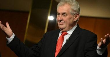 رئيس التشيك يعين حكومة جديدة مؤلفة من حزبين