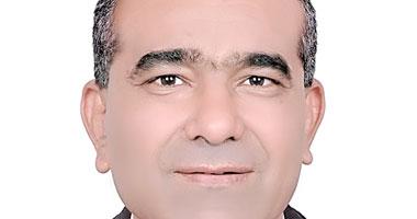 الدكتور أسامة إبراهيم الشحات استشارى أمراض وزراعة الكلى