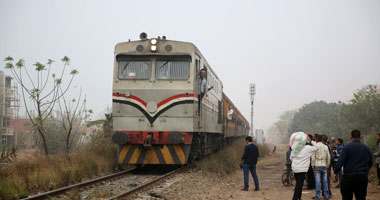 """تعطل حركة القطارات بالمنوفية بسبب حريق فى 4 صناديق """"سيمافور"""""""