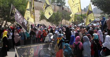 تجمع مسيرة طالبات الإخوان أمام كلية الدراسات الإنسانية بالأزهر