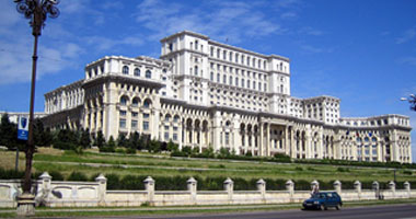 البرلمان الرومانى يصوت بالموافقة على سحب الثقة من الحكومة