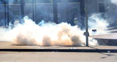 شرطة كينيا تطلق الغاز المسيل للدموع وتعتقل نشطاء يحتجون على وحشيتها