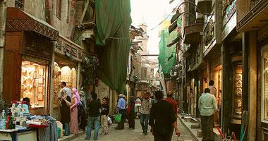 """أهالى شارع المعز يطالبون """"الآثار"""" بحماية الشارع"""