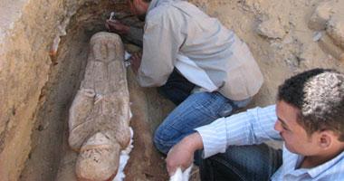 بجدران مقبرة سنوسرت تعرضها لاقتحام
