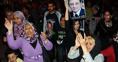 أنصار الرئيس السابق: سنضحى بأرواحنا ودمائنا عن مبارك S4201110223737