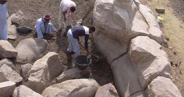 الكشف أضخم تمثال للملك أمنحتب