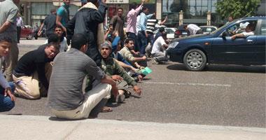 أصحاب عقود الأردن يفضون تظاهرهم أمام القوى العاملة ويعودون السبت