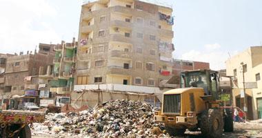 تلال القمامة تحاصر 2.5 مليون مواطن يسكن الخصوص