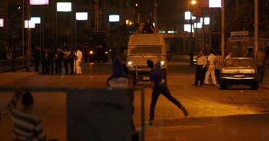 بالصور.. الأمن يطارد المتظاهرين بشارع