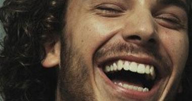 """""""الضحك"""" يساعد على الهضم ويخفف الآلام - صفحة 2 S42013915203"""