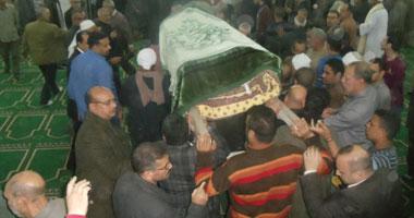 تشييع جنازة شهيد كفر الشيخ وسط الآلاف من أهالى منشية عباس