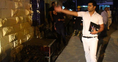 رجال المرور يغلقون شارع جوزيف تيتو عقب انفجار اسطوانة بوتاجاز بالنزهة