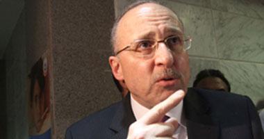 بالفيديو.. وزير الصحة يعتذر للصحفيين عن إلغاء مؤتمر البرلمانيين البريطانيين