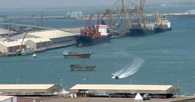 تداول 5 آلاف طن بضائع و481 شاحنة بموانئ البحر الأحمر