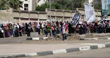 """انطلاق مسيرة طالبات الإخوان بـ""""الأزهر"""" من أمام الدراسات الإسلامية"""