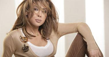 نوال الزغبى تحافظ على المقدمة وفيروز تشارك بـ3 ألبومات فى مبيعات فيرجن S520101312047