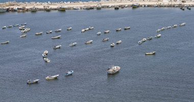 توقيف 59 مهاجرا غير شرعى فى المياه الجزائرية