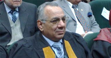 الدكتور سعيد شلبى رئيس قسم الطب التكميلى بالمركز القومى للبحوث