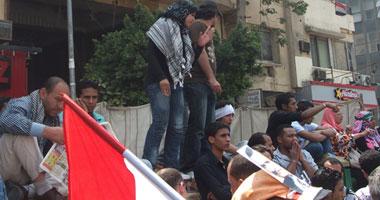 متظاهرو التحرير يطالبون بإقالة المستشار عاصم الجوهرى S5201120145152