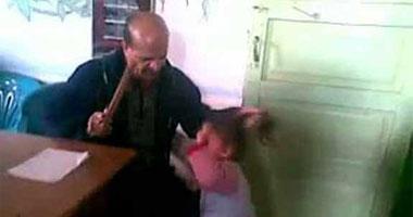 المدرس المتهم بتعذيب أطفال الحضانة بقرية كفر الديب التابعة لمركز زفتى