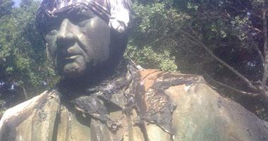 تمثال محد كريم بعد إحراقه
