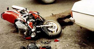 إصابة موظف وعامل فى حادث تصادم دراجة نارية بسيارة بالمنوفية