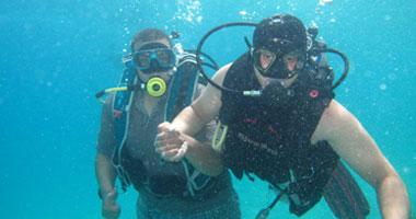 لأول مرة.. علماء ينجحون فى توصيل الواى فاى للغواصين تحت الماء