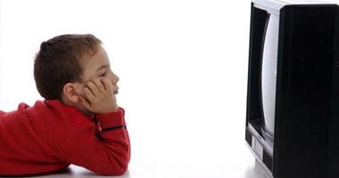 إفراط الأطفال فى مشاهدة التلفزيون يؤثر سلبا على نظامهم الغذائى s52012918738.jpg