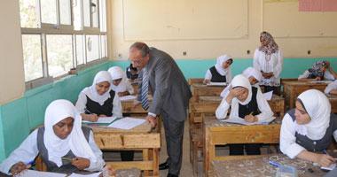 طلاب إعدادية الجيزة يؤدون اليوم امتحان الجبر والإحصاء والتربية الفنية