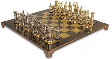 تايمز: لاعبات الشطرنج يهددن بمقاطعة بطولة العالم فى إيران بسبب فرض الحجاب
