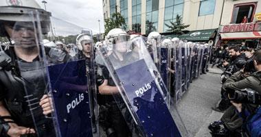 لافتات مكافحة الفساد تخيف أردوغان والشرطة تهاجم مقرات أحزاب المعارضة