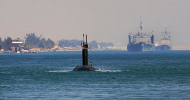 U.S. nuclear submarine pictures crossing the Suez Canal on its way to Libya S620091182532