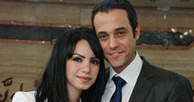 العروسان يوسف الشريف وإنجى علاء<br>