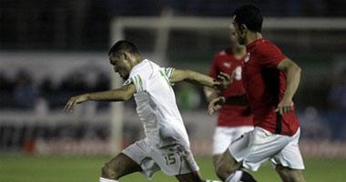 مصر تخسر من الجزائر بثلاثية وحلم المونديال يتبخر S62009804626