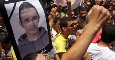 بالفيديو والصور.. 3 آلاف مواطن فى صلاة الجنازة ومظاهرة شهيد التعذيب بالإسكندرية