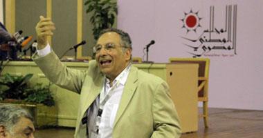 """""""ممدوح حمزة"""" يدعو لمليونية 8 يوليو للمطالبة بالدستور أولا"""