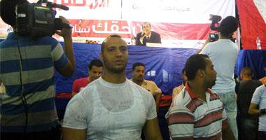 بالفيديو.. معركة بالكراسى فى أول مؤتمر للمصريين الأحرار بالمنصورة S620111511723